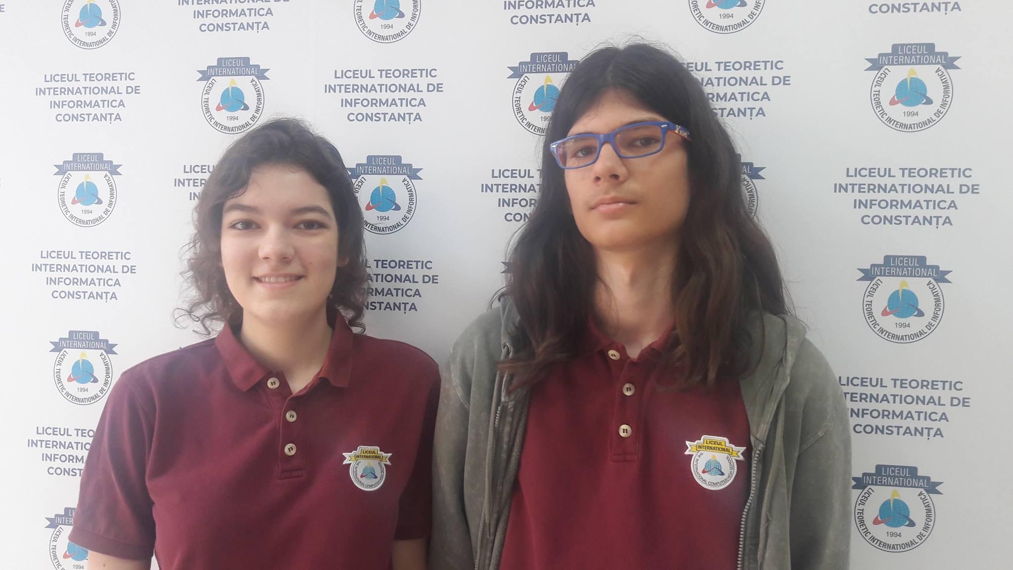 Andrei Petre, elev in clasa a IX-a C si Laura Nicoara, eleva in clasa a XI-a C
