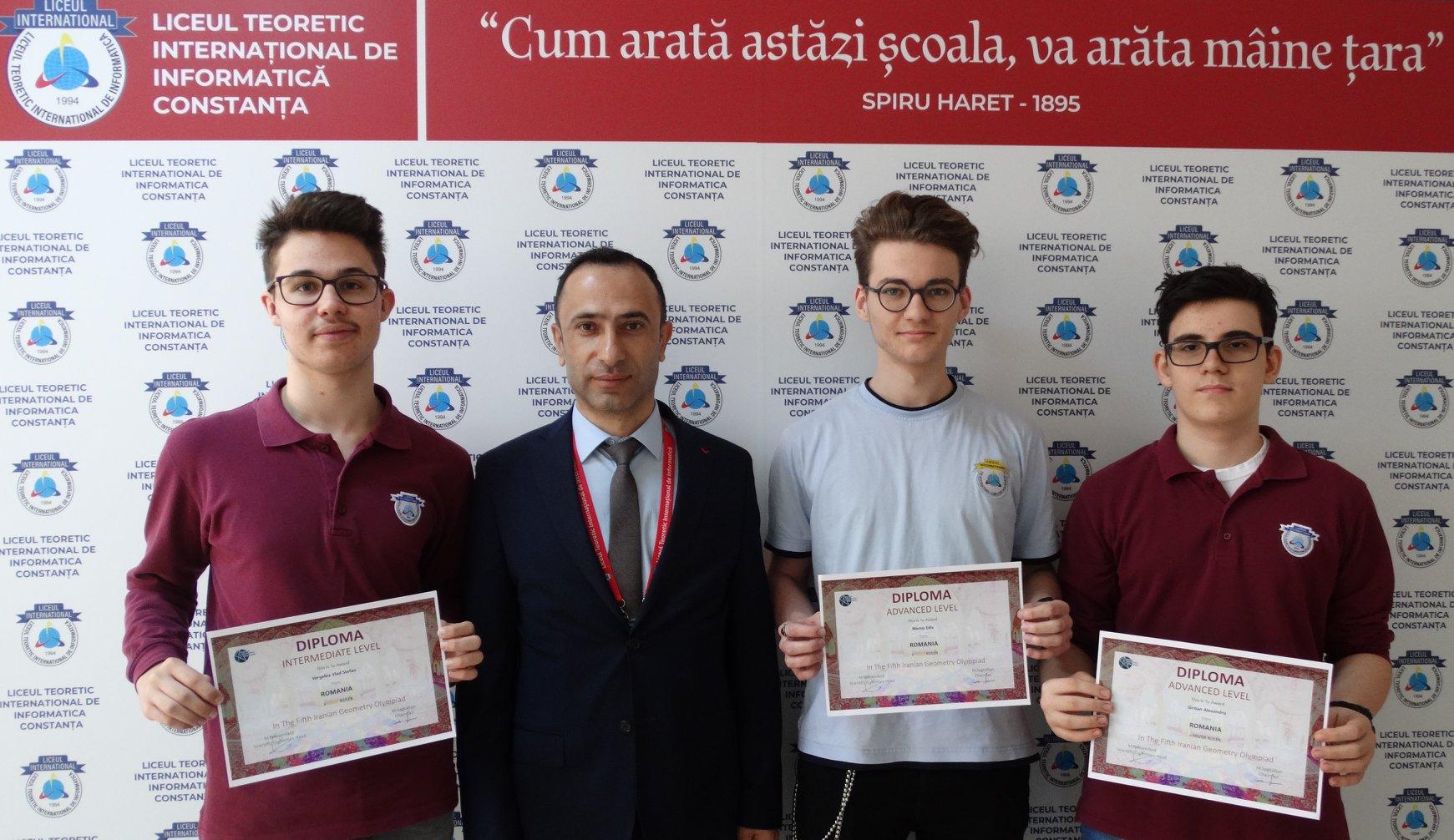 ALEXANDRU GÎRBAN, VLAD VERGELEA, elevi în clasa a X-a C și EDIS MEMIȘ